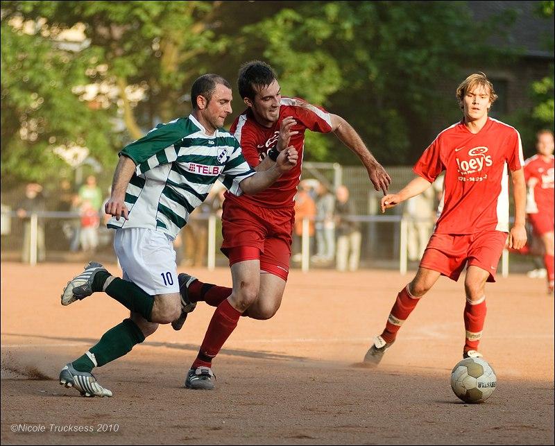 Sie betrachten ein Bild aus dem Artikel: VfB Speldorf im Kreispokal erfolgreich