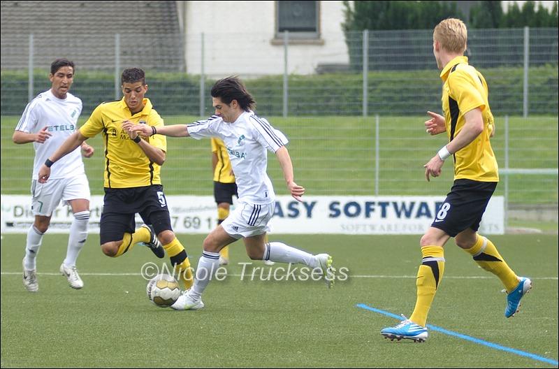 Sie betrachten ein Bild aus dem Artikel: VfB Speldorf muss die Punkte mit Aachen teilen